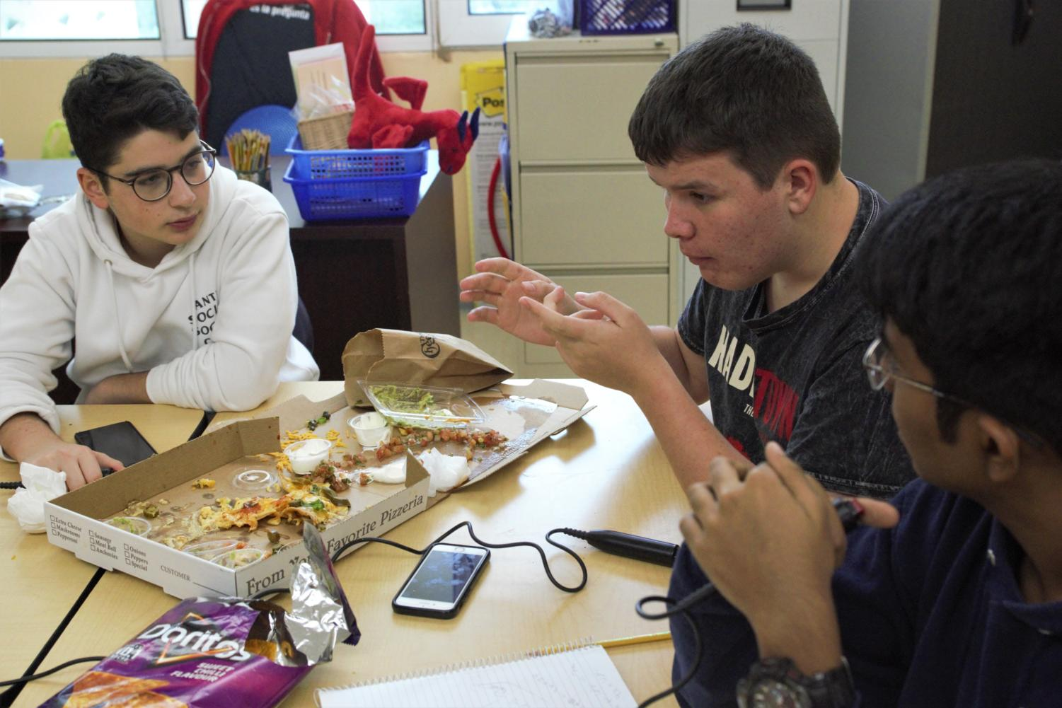 JV Academic Gamers have been polishing their cognitive skills and polishing off brainpower pizza in preparation for their season-ending competition in Kuwait.